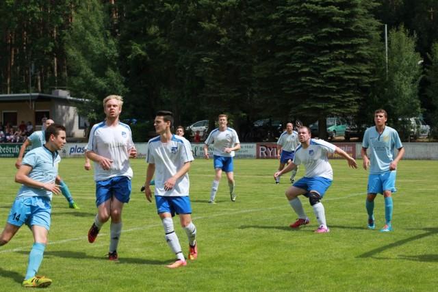 In den Anfangsminuten hatte die SVJ-Abwehr gegen den Kreisligisten SV Eddelstorf ganz schön Arbeit!